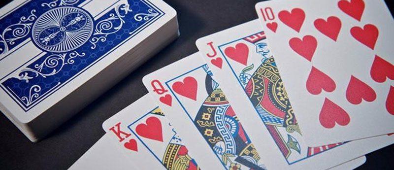 Простой способ гадания на игральных картах на чувства мужчины.